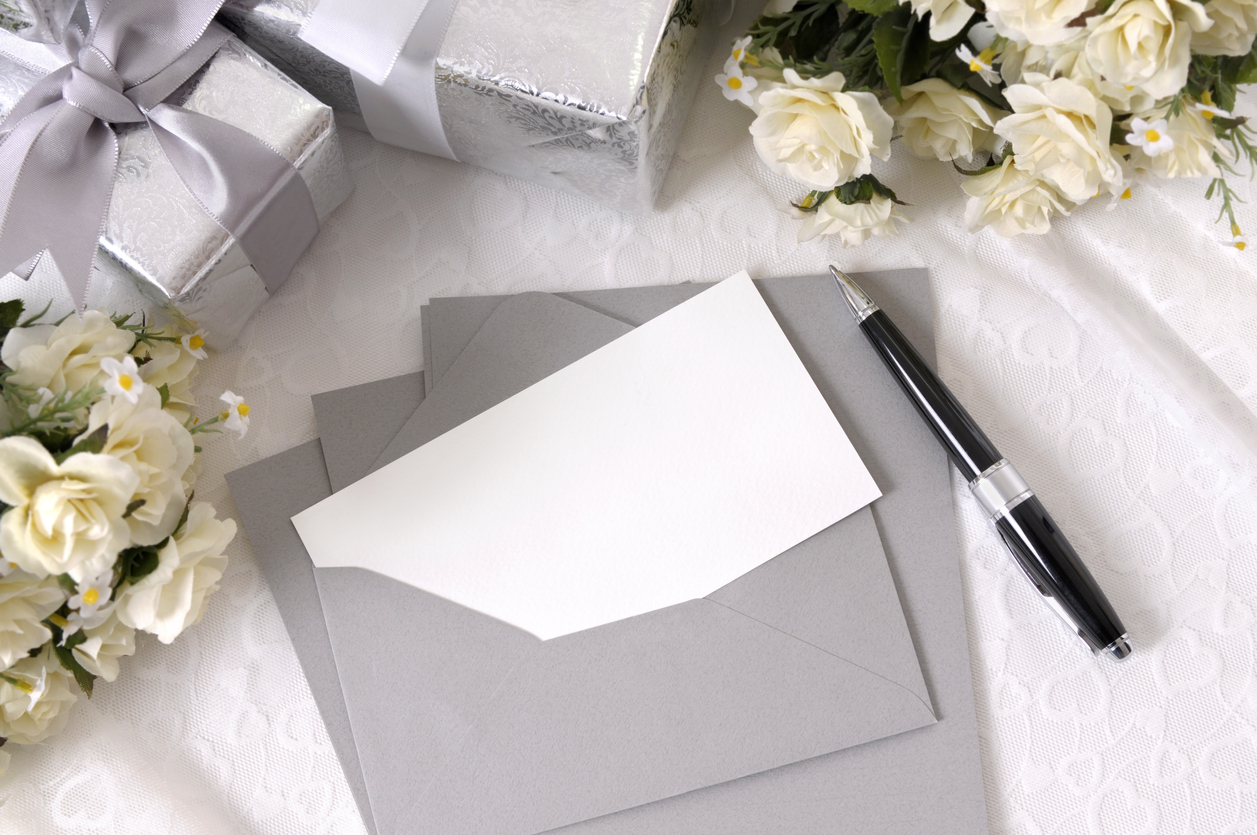 Guest database and invitations for your wedding