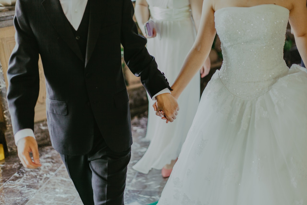 Wedding cost statistics and averages